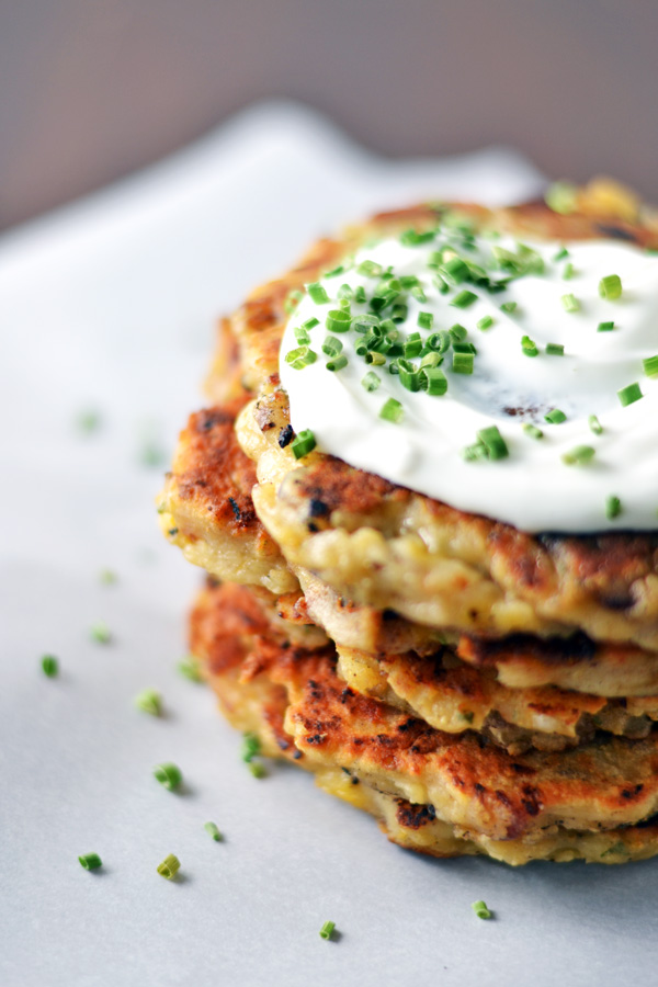 Mashed Potato Bacon Pancakes with sour cream and chives on Ambs Loves Food.